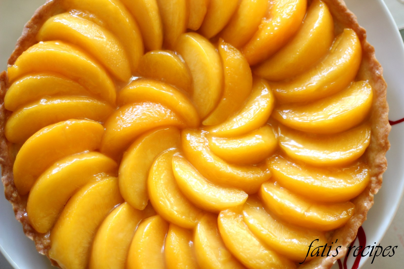 pretty peach tart | fati's recipes